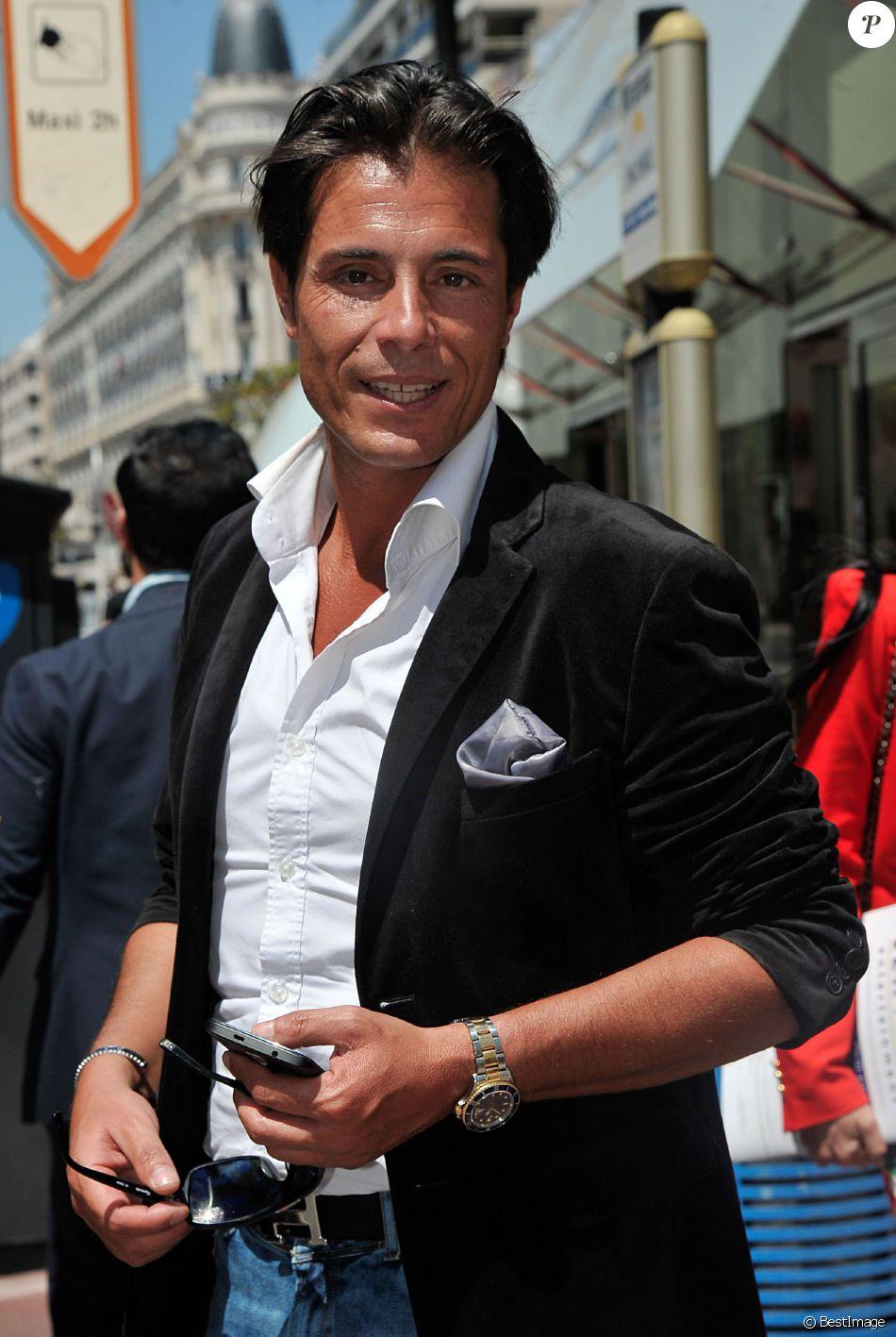 Exclusif - Giuseppe Polimeno se promène sur la croisette - 67 ème festival du film de Cannes 2014 - le 17 mai 2014