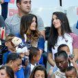Marine Lloris (La Femme de Hugo Loris) et Ludivine Sagna (Femme de Bacary Sagna) lors du match de la finale de l'Euro 2016 Portugal-France au Stade de France à Saint-Denis, France, le 10 juin 2016. © Cyril Moreau/Bestimage