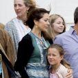 La princesse Mary, Le prince Frederik, la princesse Isabella - La famille royale de Danemark lors d'un photocall au palais de Grasten, le 15 juillet 2016.15/07/2016 - Grasten