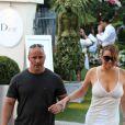 Mariah Carey fait du shopping dans la boutique Dior à Saint Tropez, France, le 19 juillet 2016.
