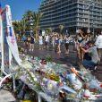 Illustration de la Promenade des Anglais à Nice, où de nombreux mémoriaux se sont érigés en hommage aux 84 victimes de l'attentat du 14 juillet. Le 20 juillet 2016 © Lionel Urman / Bestimage