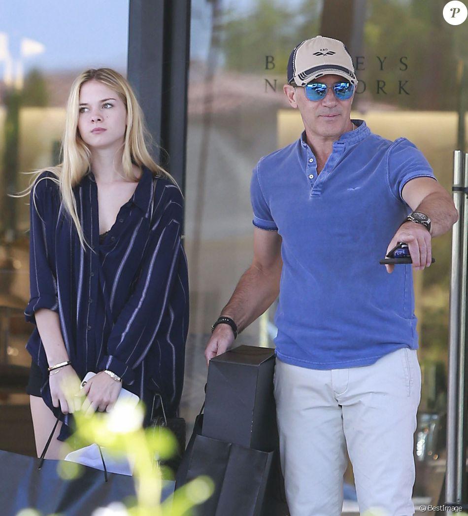Antonio Banderas et sa fille Stella en pleine séance de shopping à Los Angeles Le 22 Juillet 2016