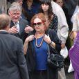 Nita aux obsèques de son mari Michel Serrault, le 2/08/07