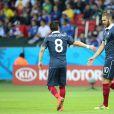 Karim Benzema et Mathieu Valbuena - Victoire de l'équipe de France contre le Honduras 3 à 0 lors de la Coupe du monde de football à Porto Alegre au Brésil le 15 juin 2014.