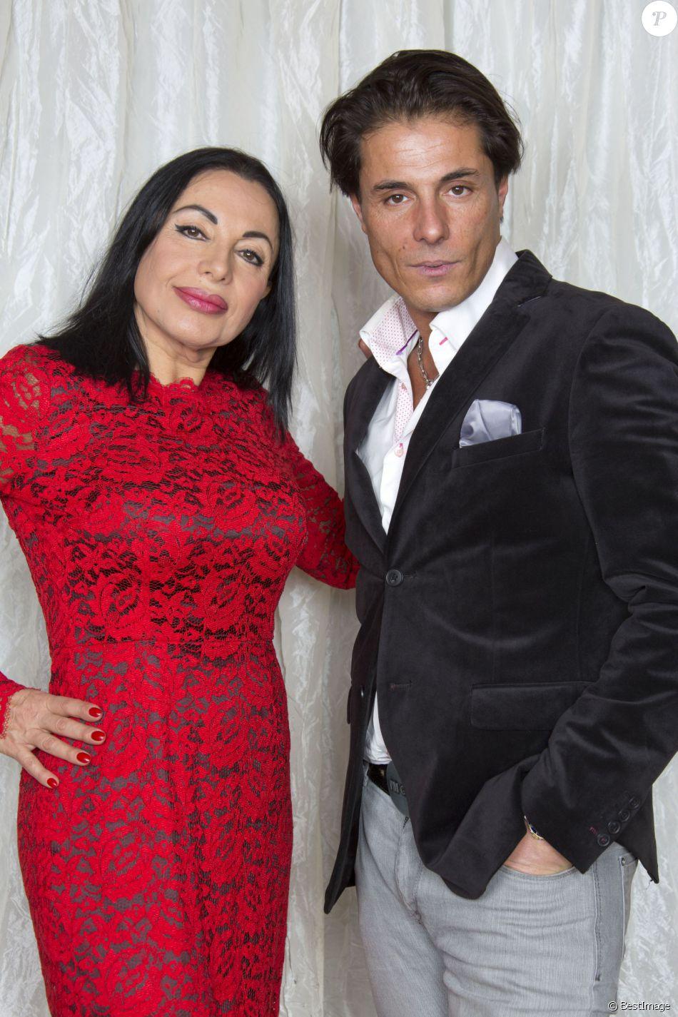 Exclusif - Giuseppe Polimeno et sa mere Marie France à Paris le 23 décembre 2013.