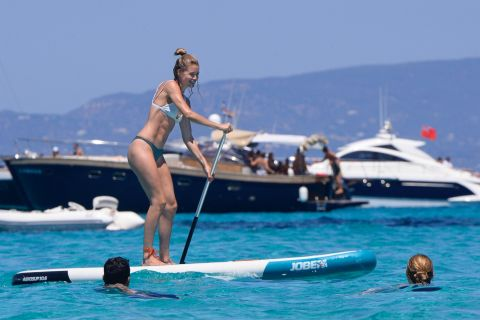 Doutzen Kroes : En plein effort avec son mari Sunnery James !