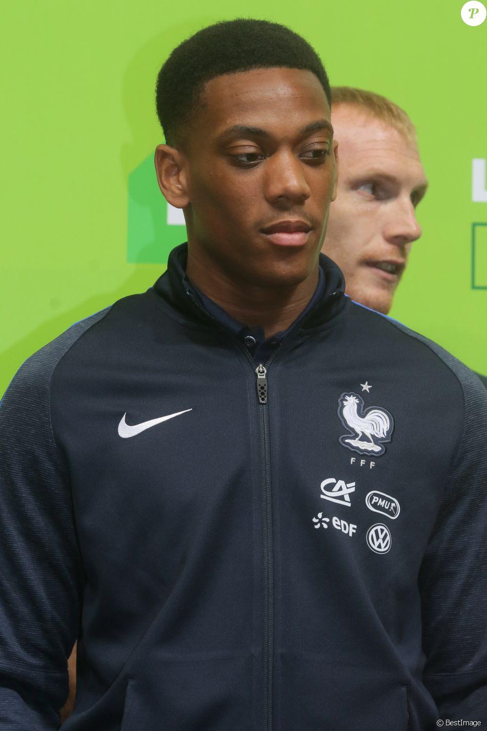 Anthony Martial - Sortie en public pour l'équipe de France de football à l'hippodrome de Vincennes le 27 mai 2016. © CVS/Bestimage