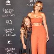 Jennifer Lopez enceinte à 47 ans ? Elle répond en photo !