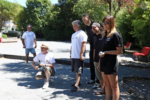 Semi-exclusif - Philippe Candeloro, sa femme Olivia et Michael Jones, qui vient de jouer, lors du 9e Star West Pétanque à Arcachon, France, le 7 août 2016. © Jean-Marc Lhomer/Bestimage