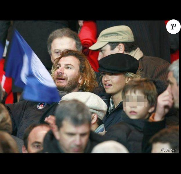 Michaël Youn et Zouzou au match PSG-OL, le 22/11/08 au Parc des Princes