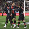 Jérôme Rothen félicite Giuly pour son but à la 26e minute