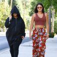 Exclusif - Blac Chyna enceinte fait du shopping avec une amie chez Walgreens à Los Angeles. Elle se cache des photographes en sortant de sa voiture. Le 19 août 2016