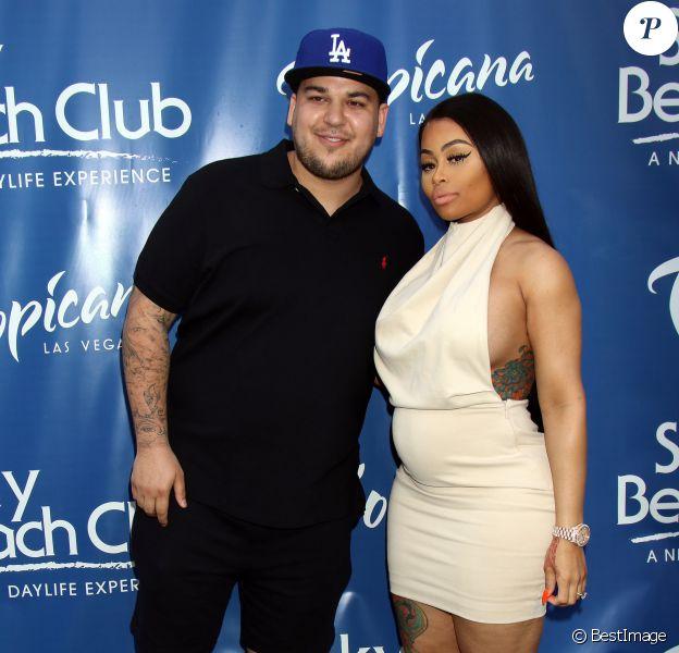 Rob Kardashian et sa fiancée Blac Chyna enceinte au Memorial Day Weekend du Sky Beach Club à Las Vegas, le 28 mai 2016