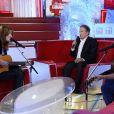 """Carla Bruni, Michel Drucker et Didier Barbelivien - Enregistrement de l'émission """"Vivement Dimanche"""" à Paris le 10 décembre 2014."""