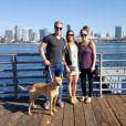 Sam Willoughby (ici avec sa fiancée Alise Post et une amie en janvier 2016), double champion du monde et vice-champion olympique 2012 de BMX, est paralysé suite à une grave chute à l'entraînement le 10 septembre 2016 en Californie. Photo de son compte Twitter.