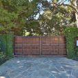 La nouvelle propriété d'Angelina Jolie située à Malibu est louée pour 95 000 dollars par mois. Suite à l'annonce de son divorce avec Brad Pitt, l'actrice américaine s'est réfugiée sous ce toit avec ses six enfants (septembre 2016).