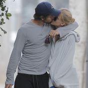 Patrick Schwarzenegger : Fougueux baiser à sa chérie après un bel anniversaire