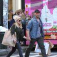 Hilary Duff et son compagnon Jason Walsh font du shopping à Manhattan le 24 septembre 2016. © CPA / Bestimage