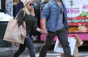 Hilary Duff en couple avec son coach sportif ? Elle s'exprime enfin...