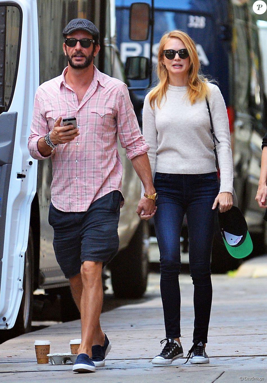 Heather Graham et son nouveau compagnon, le producteur Tommy Alastra, dans les rues de New York, le 26 septembre 2016