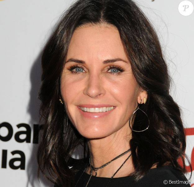 "Courteney Cox - People à la soirée ""2016 UCLA Institute of the Environment and Sustainability Gala"" à Beverly Hills. Le 24 mars 2016 © Byron Purvis / Zuma Press / Bestimage 24/03/2016 - Beverly Hills"