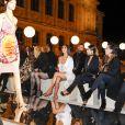 """Kim Kardashian, Kourtney Kardashian, leur mère Kris Jenner et son compagnon Corey Gamble au défilé de mode """"Givenchy"""", collection prêt-à-porter Printemps-Eté 2017 lors de la Fashion Week de Paris, France, le 2 October 2016. © Olivier Borde/Bestimage  Kim Kardashian, Kourtney Kardashian, Kris Jenner and Corey Gamble attend the Givenchy show as part of the Paris Fashion Week Womenswear Spring/Summer 2017 on October 2, 2016 in Paris, France. © Olivier Borde/Bestimage02/10/2016 - Paris"""