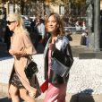 """Alexa Chung - Défilé de mode prêt-à-porter printemps-été 2017 """"Miu Miu"""" au Palais d'Iéna. Paris, le 5 octobre 2016 © CVS-Veeren / Bestimage"""