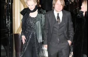 PHOTOS EXCLUSIVES : Quand Nicole Kidman et son mari dînent au 'Costes', avec Hugh Jackman et son épouse !