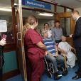 Le prince William en visite à l'hôpital Basingstoke and North Hampshire à Basingstoke, le 12 octobre 2016.