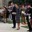 Kate Middleton, duchesse de Cambridge, et le prince William, duc de Cambridge, au cénotaphe de Manchester le 14 octobre 2016.