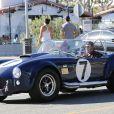 Exclusif - Johnny Hallyday et un ami se baladent à Los Angeles avec sa nouvelle voiture, une AC Cobra le 8 octobre 2016.