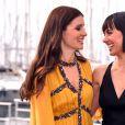 """Shiri Appleby et Constance Zimmer - Photocall de la série """"Unreal"""" à l'occasion du MIPCOM à Cannes, le 17 octobre 2016. © Bruno Bebert/Bestimage"""