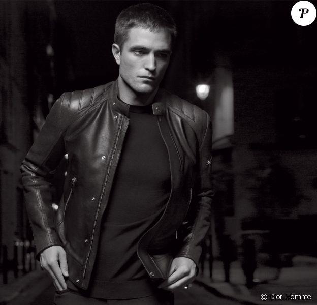 Robert Pattinson, photogrpahié par Karl Lagerfeld, pour la collection printemps 2017 de Dior Homme signéee Kris Van Assche.