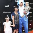 Tiffani Thiessen avec son mari Brady Smith et ses enfants Harper Smith et Holt Smith à la soirée Good+ Foundation's first annual Halloween à Hollywood, le 29 octobre 2016