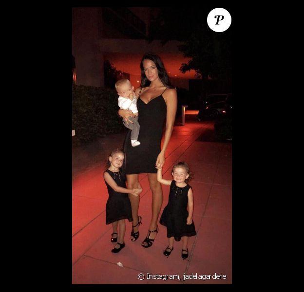 Jade Foret dîne chez Mr. Chow avec ses trois enfants et son mari Arnaud Lagardère. Photo publiée sur Instagram, le 2 novembre 2016