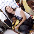 Madeleine Stowe inaugure La Casa Dei Angeli en Haïti