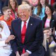 """Donald Trump et sa femme Melania Trump - Donald Trump, candidat aux primaires du Parti républicain pour l'élection présidentielle de 2016, participe en famille à l'émission """"Today"""" à la Trump Town Hall, Rockefeller Plaza à New York, le 21 avril 2016."""