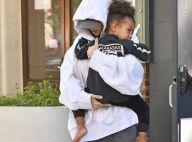 """Kim Kardashian traumatisée par le braquage: """"Elle parle à un psy tous les jours"""""""