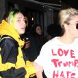 Lady Gaga porte un t-shirt 'Love Trumps Hate' à la sortie d'un immeuble à New York, le 9 novembre 2016.