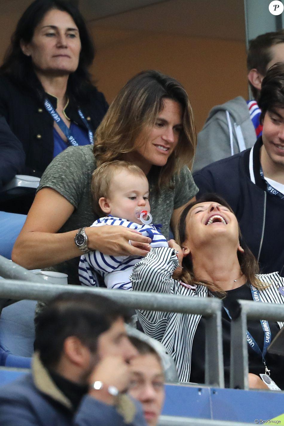 """Fed Cup 2016 Amélie Mauresmo """"Une femme heureuse"""" avec son"""