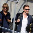 """""""Taylor Swift et son compagnon Tom Hiddleston arrivent à l'aéroport de Sydney, Australie, le 8 juillet 2016."""""""