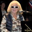 Michel Polnareff au piano, chante Goobye Marylou qu'il avait écrit dans cette commune du 77 - Inauguration du centre culturel Michel Polnareff à Fontenay-Trésigny le 25 novembre 2016