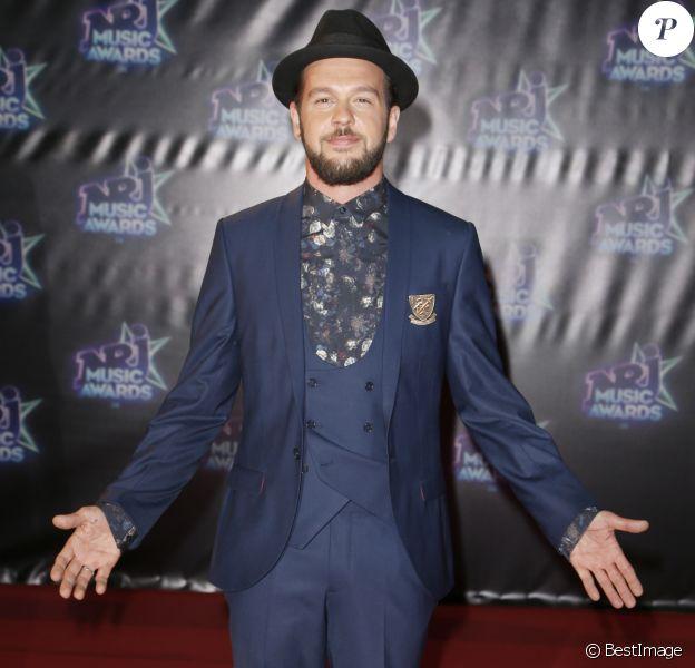 """Claudio Capéo lors de la 18ème cérémonie des """"NRJ Music Awards"""" au Palais des Festivals à Cannes, le 12 novembre 2016. © Christophe Aubert"""