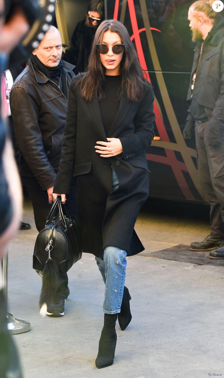 26de281d68 Bella Hadid aà Paris, le 30 novembre 2016. - Purepeople