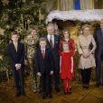 Le roi Philippe de Belgique, la reine Mathilde de Belgique, leurs enfants, le prince Gabriel, le prince Emmanuel, la princesse Eléonore, la princesse Elisabeth ainsi que la princesse Astrid et le prince Lorenz de Belgique, assistent au concert de Noël au Palais Royal de Bruxelles, Belgique, le 21 décembre 2016.