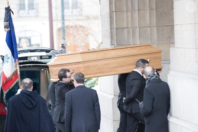Illustration - Sorties des obsèques de Michèle Morgan en l'église Saint-Pierre de Neuilly-sur-Seine. Le 23 décembre 2016