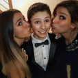 """""""Laury Thilleman fête Noël avec sa petite soeur Julie et son petit frère Hugo."""""""