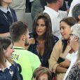 Benoît Costil à nouveau très proche de Malika Ménard à la fin du match de l'UEFA Euro 2016 Allemagne-France au stade Vélodrome à Marseille, France le 7 juillet 2016.