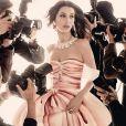"""""""Bella Hadid figure sur la campagne printemps-été 2017 de Moschino. Photo par Steven Meisel."""""""