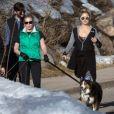Exclusif - Kate Hudson en compagnie de Chelsea Handler et de leurs amis, se promènent à Aspen. Colorado, le 30 décembre 2016.